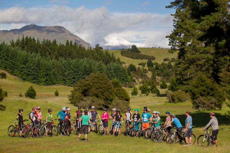Mission WOW Wanaka Bike women skills